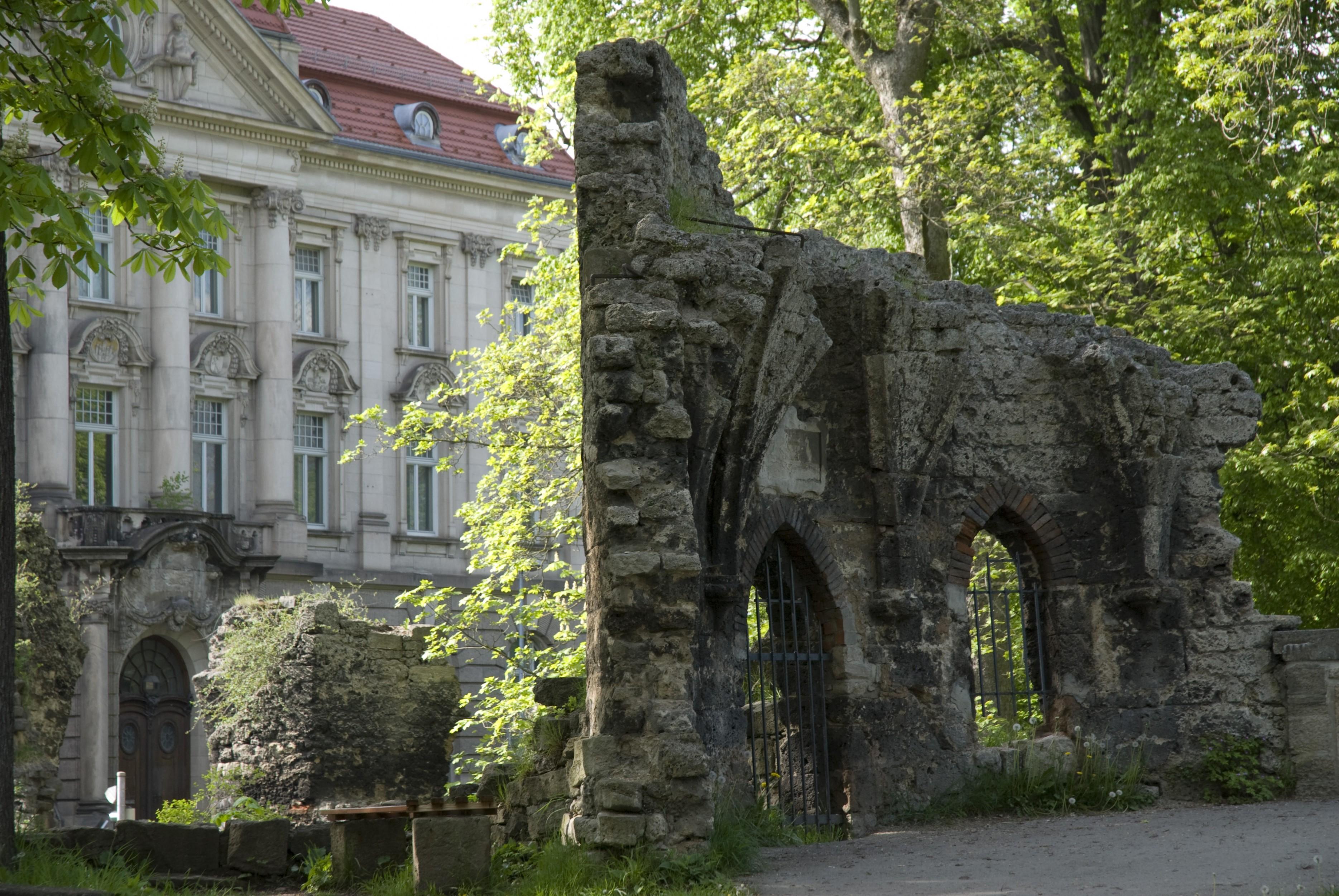 Bild: Theater & Englischer Garten