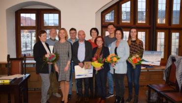 Landrätin Peggy Greiser ehrt drei herausragende Denkmal-Liebhaber